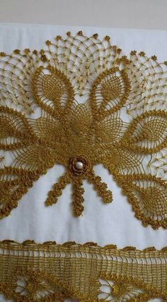 This Pin was discovered by Nag Textiles, Crochet Designs, Baby Booties, Crochet Clothes, Crochet Lace, Crochet Projects, Lace Trim, Projects To Try, Crafts