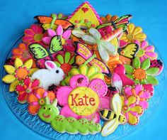 Look at these amazing cookies by SweetSugarBelle.  I am in love.