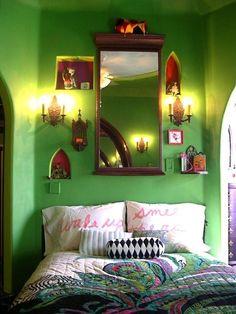 chasingthegreenfaerie......little shrine on the wall..so colorful...
