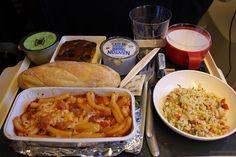 「機内食がおいしいエアライン」ランキング 美味しい空の旅ができるのはどこ