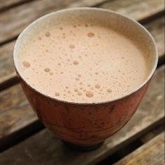DEN HER kop kaffe vil ALLE elske – nok selv den gravide der væmmes ved kaffelugten 😉 Jeg er GIGA fan. I har måske allerede smagt mine super nemme og sundemokkamuffins? Hvis ikke – så gør det! 😉 Jeg lavede æggelatten (der er LCHF) som et forsøg til Martin – som jeg deler børn, ægteskab … ÆGGELATTE (LCHF) – der får mokkahaderen til at elske kaffe – Sydhavnsmor.dk Læs mere » Lchf, Low Fodmap, Cookie Dough, Low Carb Recipes, Smoothies, Juice, Food And Drink, Vegan, Cooking