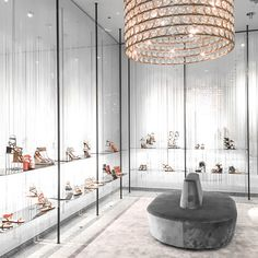 8a2285ad117c6 Shopping on Rodeo Drive in Beverly Hills. Beverly Hills ShoppingValentino  StoreFashion StoresCalifornia ...