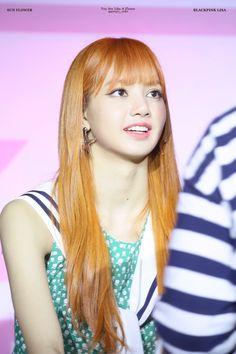 Jennie Lisa, Blackpink Lisa, K Pop, South Korean Girls, Korean Girl Groups, Lisa Blackpink Wallpaper, Yg Entertainment, Hottest Photos, Girl Photos