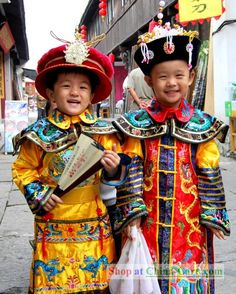 Ancient Chinese Clothing, what gorgeous children !