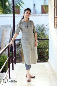 Salwar Designs, Simple Kurti Designs, Kurta Designs Women, Kurti Designs Party Wear, Latest Kurti Designs, Kurti Sleeves Design, Kurta Neck Design, Kurta Style, Designs For Dresses