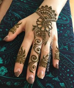 Explore latest Mehndi Designs images in 2019 on Happy Shappy. Mehendi design is also known as the heena design or henna patterns worldwide. We are here with the best mehndi designs images from worldwide. Easy Mehndi Designs, Latest Mehndi Designs, Bridal Mehndi Designs, Indian Mehndi Designs, Mehndi Designs For Beginners, Mehndi Designs For Girls, Mehndi Designs For Fingers, Simple Mehndi Designs, Henna Tattoo Designs
