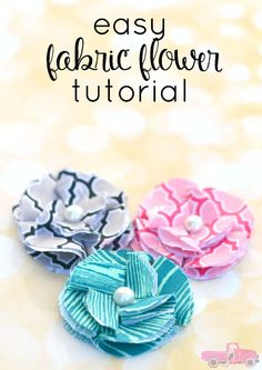 Easy Fabric Flower | Crafts and Sewing Projects Ideas by DIY Ready at http://diyready.com/diy-fabric-crafts/