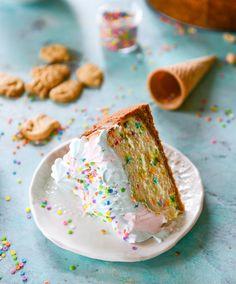 Coney Island cheesecake / How Sweet Eats Cheesecake Recipes, Dessert Recipes, Cheesecake Crust, Dessert Ideas, Memorial Day Desserts, Birthday Cheesecake, Yogurt Melts, How Sweet Eats, Let Them Eat Cake