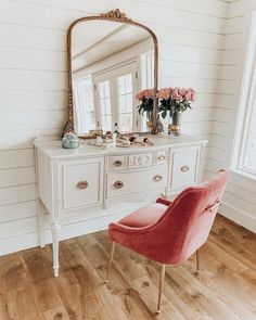 home accessories grey home accessories homeaccessories Simple dressing table. Simple Dressing Table, Dressing Table Vanity, Dressing Table Velvet Chair, How To Decorate Dressing Table, Vintage Dressing Tables, Dressing Area, Dressing Rooms, Home Bedroom, Bedroom Decor