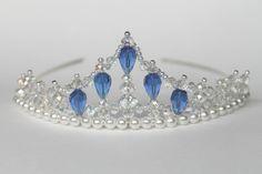 Blauer Kristall Perlen Princess Tiara von CreativeCalling1 auf Etsy