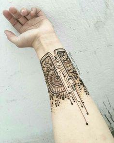 Mehndi Designs will blow up your mind. We show you the latest Bridal, Arabic, Indian Mehandi designs and Henna designs. Henna Tattoo Hand, Henna Tattoo Muster, Wrist Henna, Henna Body Art, Mandala Tattoo, Henna Mandala, Lotus Mandala, Henna Ankle, Tribal Hand Tattoos