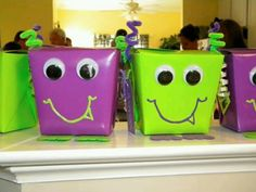 Cute way to make party favor boxes