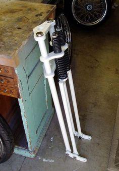 Risultati immagini per how to build a springer fork Trike Motorcycle, Motorcycle Design, Bike Design, Vintage Motorcycles, Custom Motorcycles, Custom Bikes, Bike Chopper, Chopper Parts, Motorised Bike