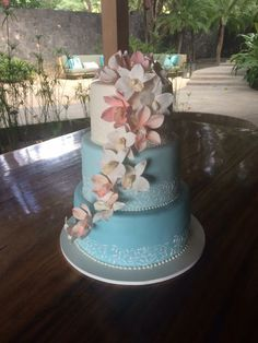 Cake by Victoria