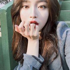 Pin on Ulzzang Pretty Korean Girls, Cute Korean Girl, Pretty Asian, Beautiful Asian Girls, Uzzlang Girl, Girl Korea, Asia Girl, Ulzzang Korean Girl, Ulzzang Girl Selca