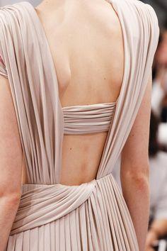 Details from Schiaparelli Haute Couture Fall/Winter Paris Fashion Week. Couture Mode, Style Couture, Couture Details, Fashion Details, Couture Fashion, Fashion Design, Fashion Mode, Runway Fashion, High Fashion