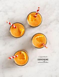 superfood sunshine smoothies from Love & Lemons // bananas, almond milk, orange, goji berries, ginger Best Smoothie, Smoothie Vert, Orange Smoothie, Yummy Smoothies, Juice Smoothie, Smoothie Drinks, Yummy Drinks, Healthy Drinks, Smoothie Recipes
