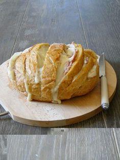 pão ou Pão de calabresa - cortar, colocar queijo, e colocar no forno