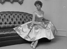 Ghita Nørby, i kjole fra Baronessen fra benzintanken