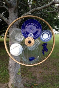 Yard art bicycle 44 Ideas for 2019 Yard art bicycle 44 Ideas for 2019 Garden Crafts, Diy Garden Decor, Garden Projects, Garden Whimsy, Garden Junk, Glass Garden Art, Glass Art, Bicycle Art, Bicycle Wheel