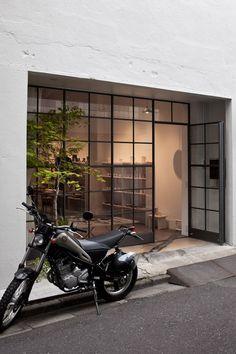 Kumu Tokyo at KITKA design toronto – Toptrendpin Design Café, Facade Design, Exterior Design, Interior And Exterior, Window Design, Door Design, House Design, Cafe Interior Design, Interior Architecture