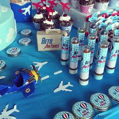 Tema: Avião Personalização e Decoração by: @papermintbr     * Para personalizar entre em contato com a Papermint.    papermint@papermint.com.br