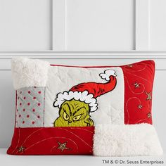Grinch™ Heathered Quilt + Sham #pbteen