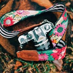 The colors on this Nena & Co Camera Strap!