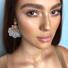 10 Minimal Makeup Looks That Take 10 Minutes Or Less Makeup Goals, Makeup Inspo, Makeup Inspiration, Makeup Ideas, Makeup Style, Makeup Tutorials, Natural Everyday Makeup, Natural Makeup Looks, Beauty Make-up