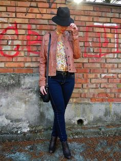 Floral Shirt and Bata ankle boots featured by Darina from Slovakia #batalove #batastreet #batashoes