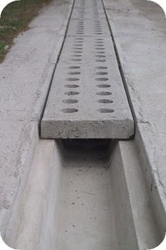 DIY – With the Thick as well as Thin of Structure a Concrete Countertop – Outdoor Kitchen Designs Backyard Drainage, Landscape Drainage, Backyard Patio, Driveway Drain, Driveway Landscaping, Landscaping Ideas, Diy Driveway, Driveway Ideas, Driveway Entrance