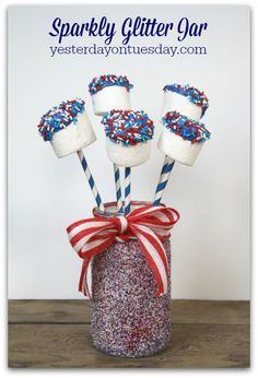 Sparkly Glitter Jar, a super easy project for Memorial Day and 4th of July! Great addition to a barbecue or party too.