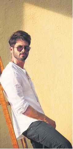 Simply Love Shahid's look.  The classic white shirt and denim is superbly stylized with the much-in-trend pair of shades.  #Shahid #Fashion #Icon