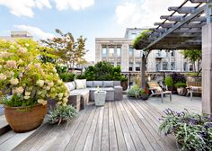 New York city rooftop terrace, designed by Gunn Landscape Architecture,