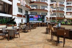 Landings Bar at the DoubleTree by Hilton Orlando Airport Hotel Orlando Airport, Airport Hotel, Airport Shuttle, Hotel Reviews, Bar, Travel, Home Decor, Viajes, Decoration Home