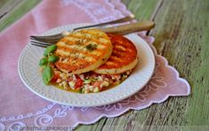 Pácolt,grillezett sajt Gnocchi, Salmon Burgers, Risotto, Food And Drink, Meals, Breakfast, Ethnic Recipes, Posts, Breakfast Cafe