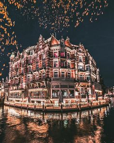Called by numerous as Holland, the city of Amsterdam is the most checked out center in the Netherlands. Recent stats have actually revealed that more than million tourists are coming to check out Amsterdam per year. Visit Amsterdam, Amsterdam Travel, Beautiful World, Beautiful Places, Victoria Hotel Amsterdam, Places To Travel, Places To Visit, Travel Stuff, Travel Aesthetic