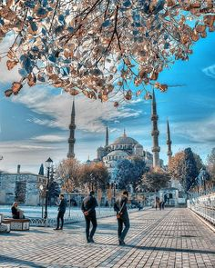 Blue Mosque (Blue Mosque) – Kanatsız Kuşlar – Join the world of pin Wonderful Places, Beautiful Places, Blue Mosque Istanbul, Turkey Destinations, Istanbul Travel, London Pictures, Hagia Sophia, Famous Landmarks, Dream City