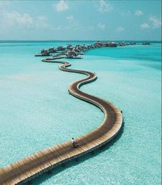 Spend Your Vacation at Island Resorts; One of the Top Honeymoon Destinations - Latest News Breaking Headlines Vacation Places, Vacation Spots, Places To Travel, Places To See, Travel Destinations, Italy Vacation, Wonderful Places, Beautiful Places, Beautiful Hotels
