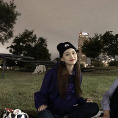 Kim Doyeon, Best Photo Poses, Gfriend Sowon, Pose Reference Photo, Ulzzang Korean Girl, Cosmic Girls, K Idols, Girl Crushes, Kpop Girls