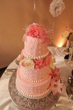 Lubbock Wedding Cake pink pearls