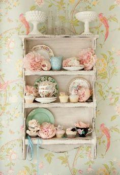 Kitchen: such a beautiful china display!