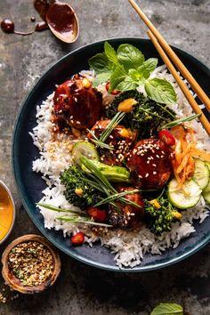 Korean Chicken, Chicken Meatballs, Gochujang Chicken, Sheet Pan, Ethnic Recipes, Asian Recipes, Healthy Recipes, Cooking Recipes, Asian Noodle Recipes