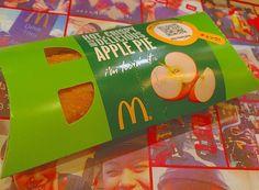 ( #applepie )    キャラメルマックシェイク 飲もうと思ってたのに 頭からPPAP離れへんかったから apple pie に流れた  はやく三角チョコパイ食べたい   #mac #macdonalds #caramelshake #apple #pie #hot #yummy #yum #autumn # #mystagram #instagood #mypicture #instagram #l4l
