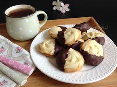 Máslová kolečka s marmeládou Baked Goods, Tiramisu, Deserts, Food And Drink, Pudding, Cheesecake, Cookies, Baking, Sweet