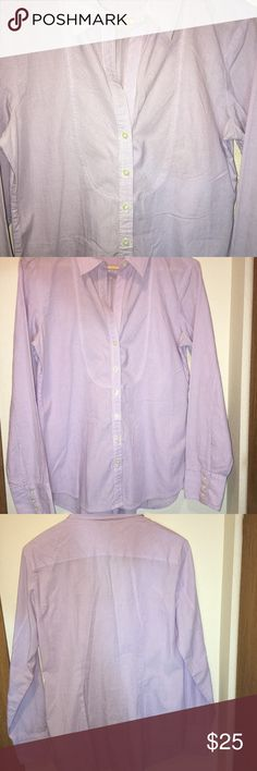 Banana Republic Women's Button Down Shirt/SizeM Banana Republic Women's Button Down Shirt in Great Pre-Owned Condition! There are no flaws with this item, is free and clear of any noticeable stains, rips, pull of fabric and tears. Overall this Top looks great and you will love it at a fraction of the price! If you notice a flaw that we did not mention, please contact us first before leaving negative feedbacks. We are only human and may make a mistake once in a while. Banana Republic Tops…