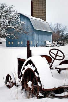 ♂ Aged with beauty. Abandoned car Snow covers a rusting antique tractor at Glacial Park Conservation Area, Mchenry County, IL. I♡Country life ✿Vida en el campo ✿ Country Barns, Old Barns, Country Life, Country Living, Country Roads, Mill Farm, Farm Barn, Foto Fun, Country Scenes