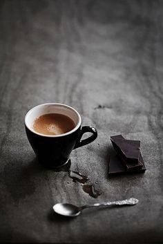 espresso and dark chocolate; Most ideally: dark Ecuador chocolate variety with Ethiopian coffee no sugar no milk I Love Coffee, Coffee Art, Coffee Break, My Coffee, Coffee Drinks, Morning Coffee, Coffee Cups, Black Coffee, Coffee Shop