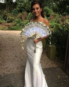 Dani Dyer shares unseen wedding pictures of Danny and Jo Mas' wedding Wedding Poses, Wedding Day, Love Island, Old Actress, Maid Of Honor, How To Look Pretty, Bridal Style, Wedding Pictures, Celebrity Style