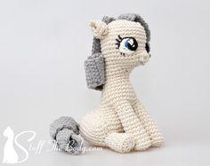 Sitting Pony Amigurumi Pattern, Seamless Pony Crochet Pattern, baby shower, gifts for girls, presents for kids, diy gifts, toy pattern by StuffTheBody on Etsy https://www.etsy.com/au/listing/191728649/sitting-pony-amigurumi-pattern-seamless